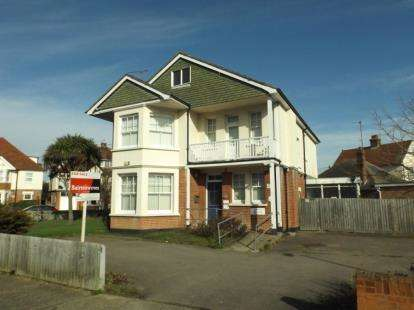 6 Bedrooms Detached House for sale in Clacton-on-Sea, Essex
