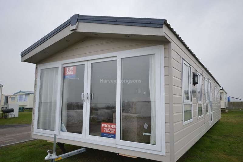3 Bedrooms Lodge Character Property for sale in Harts Holiday Park, Leysdown Road, Leysdown On Sea, Isle Of Sheppey