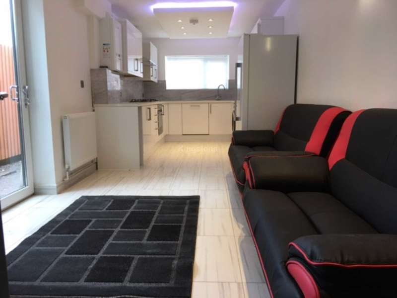 5 Bedrooms House for rent in Moy Road, Roath, Cardiff, CF24 4TF