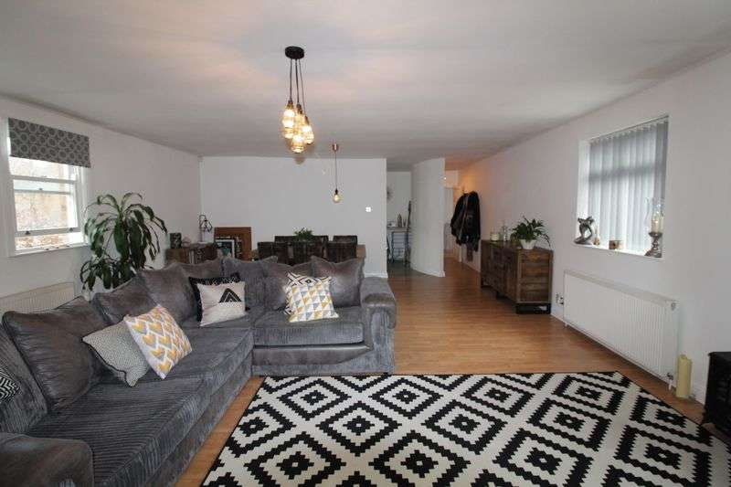 2 Bedrooms Flat for sale in Devonshire Mews, Devonshire Road, Liverpool, L8