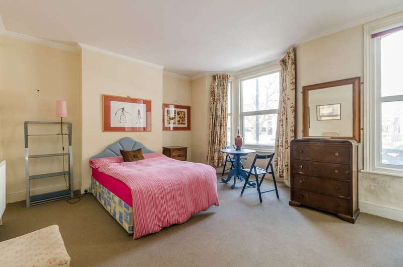 4 Bedrooms House for sale in Cremorne Road, Lots Road, SW10
