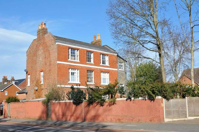 3 Bedrooms Flat for sale in St. Leonards, Exeter