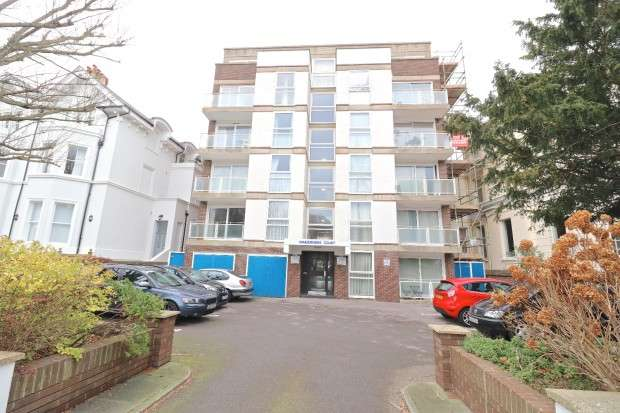 1 Bedroom Flat for sale in 22 Trinity Trees, Eastbourne, BN21