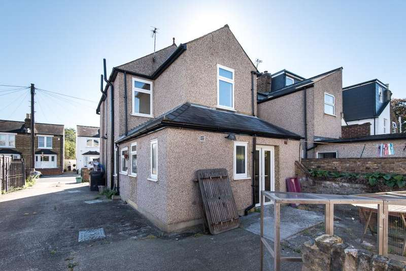 3 Bedrooms Detached House for sale in Willoughby Road, Kingston upon Thames KT2