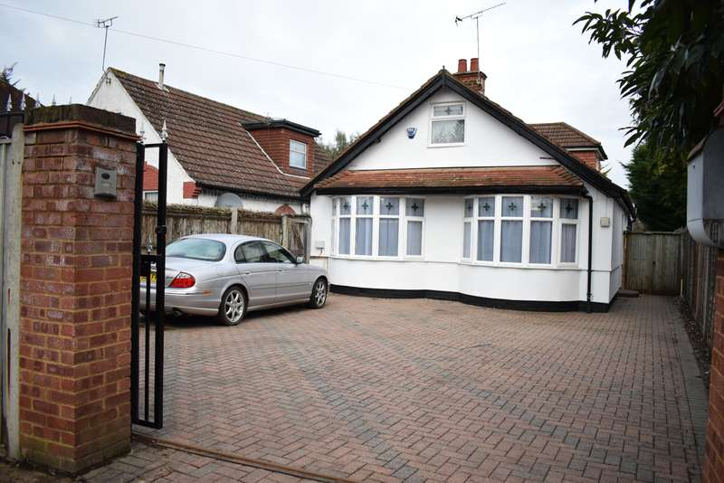 4 Bedrooms Detached Bungalow for sale in Langley, Slough