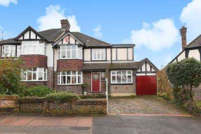 4 Bedrooms Semi Detached House for sale in Braeside, Beckenham