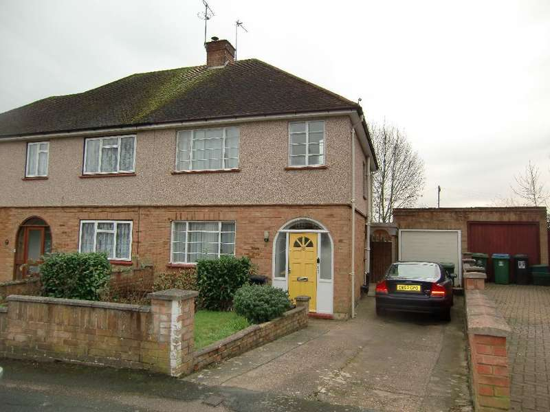 3 Bedrooms Semi Detached House for sale in Crown Rise, Watford, Herts