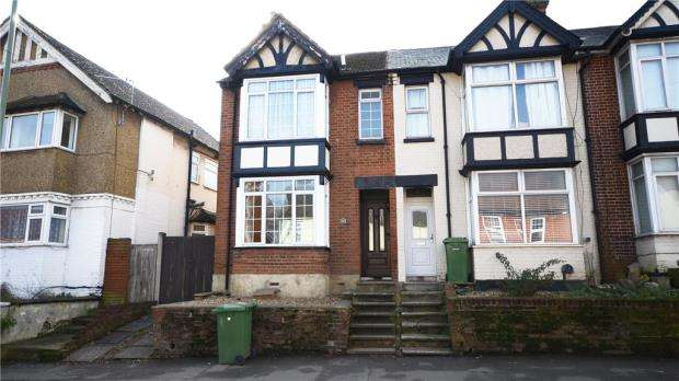 3 Bedrooms End Of Terrace House for sale in Ash Road, Aldershot, Hampshire