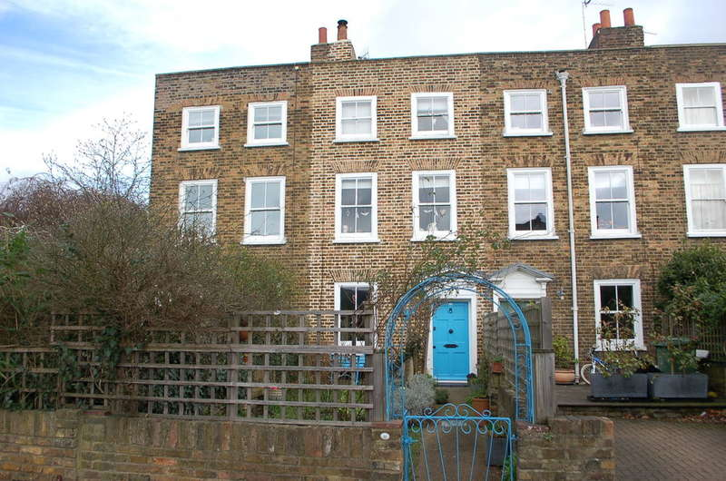 3 Bedrooms Terraced House for sale in HAMPTON