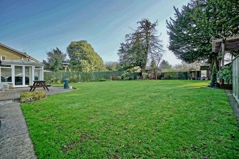 4 Bedrooms Detached Bungalow for sale in WARESLEY, ST NEOTS