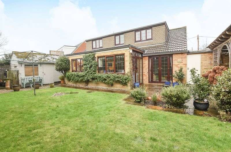 4 Bedrooms Detached House for sale in Vicarage Road, Steventon