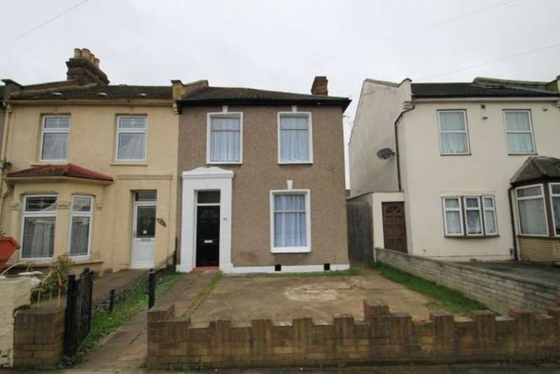 3 Bedrooms Semi Detached House for sale in Chester Road , Seven Kings