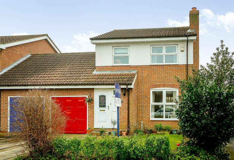 3 Bedrooms Link Detached House for sale in Willow Drive, North Duffield, Selby, YO8 5TS