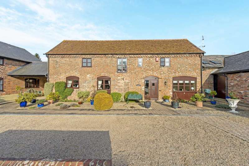 3 Bedrooms Barn Conversion Character Property for sale in Peggs Lane, Buckland Village