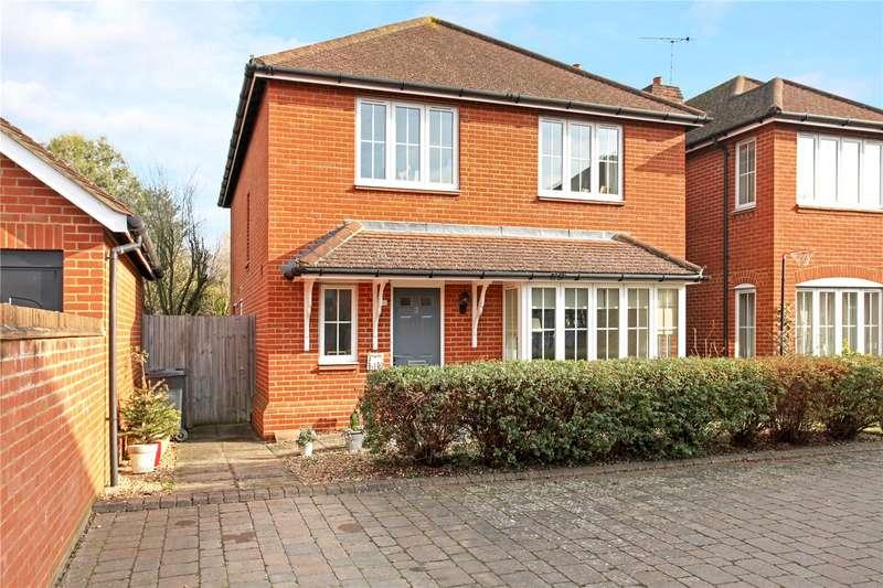 4 Bedrooms Detached House for sale in Oakdene Place, Peasmarsh, Guildford, Surrey, GU3