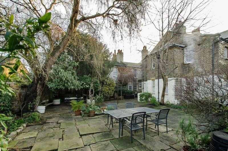 1 Bedroom Flat for sale in Deal Street, Brick Lane, E1