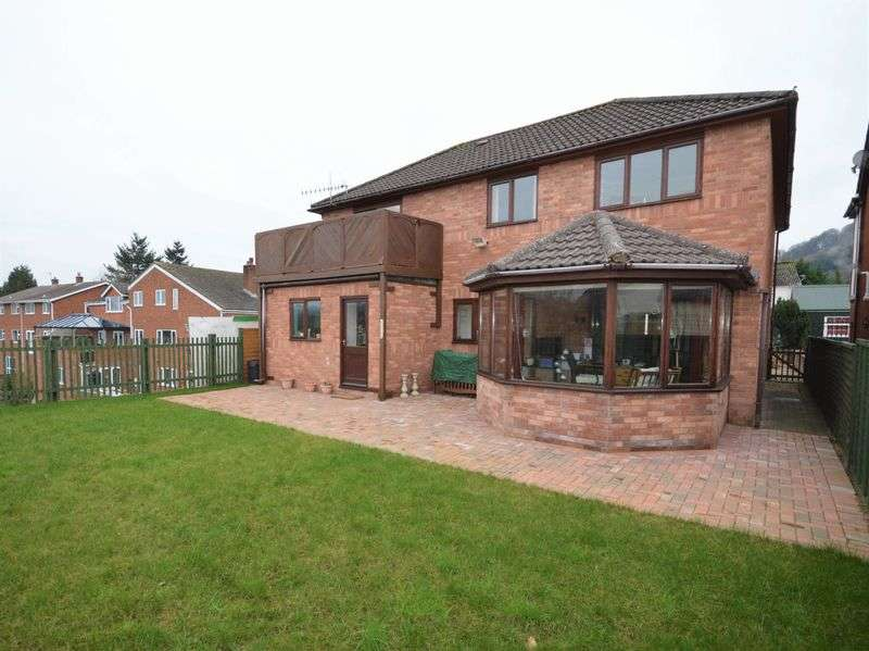 4 Bedrooms Detached House for sale in Merthyr Road, Abergavenny
