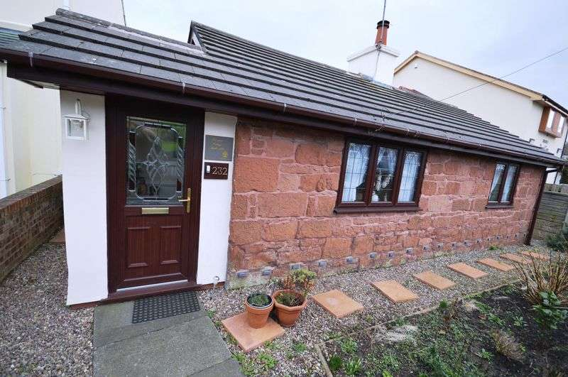 2 Bedrooms Detached Bungalow for sale in Greasby Road, Greasby
