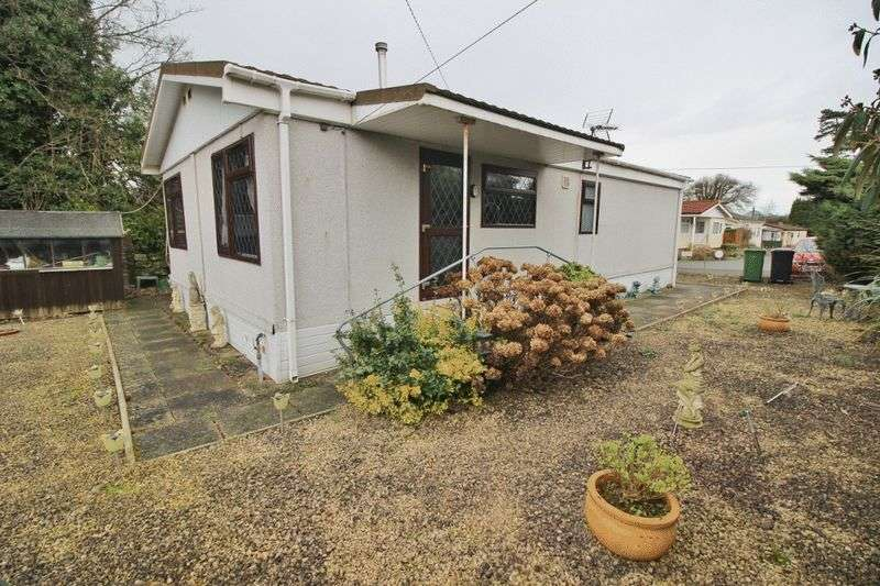 2 Bedrooms Detached Bungalow for sale in Pendeford Hall Lane, Pendeford, Wolverhampton