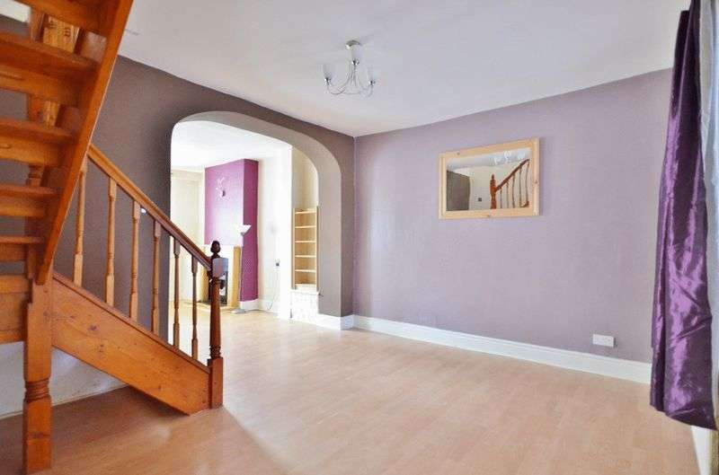 3 Bedrooms Terraced House for sale in Main Street, Frizington