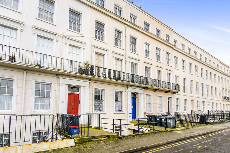 1 Bedroom Flat for sale in St. Georges Terrace, Herne Bay, CT6