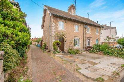 3 Bedrooms Semi Detached House for sale in London Road, Peterborough, Cambridgeshire