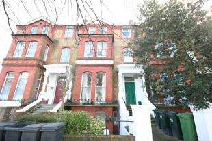 2 Bedrooms Flat for sale in The Avenue, Eastbourne, East Sussex