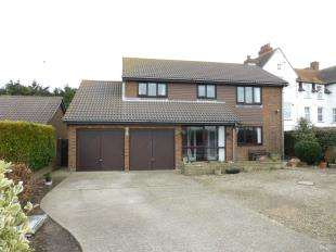 4 Bedrooms Detached House for sale in St. Andrews Road, Littlestone, New Romney, Kent