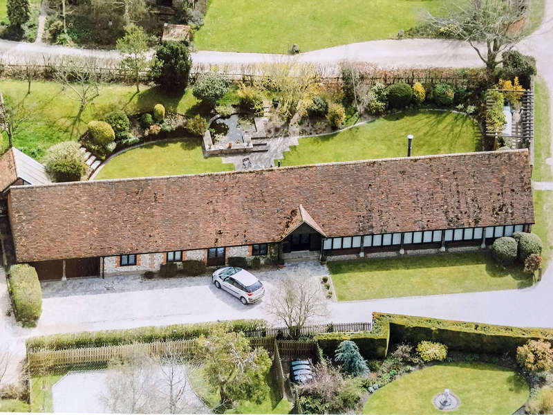 5 Bedrooms Unique Property for sale in Lower Farm, Ewelme