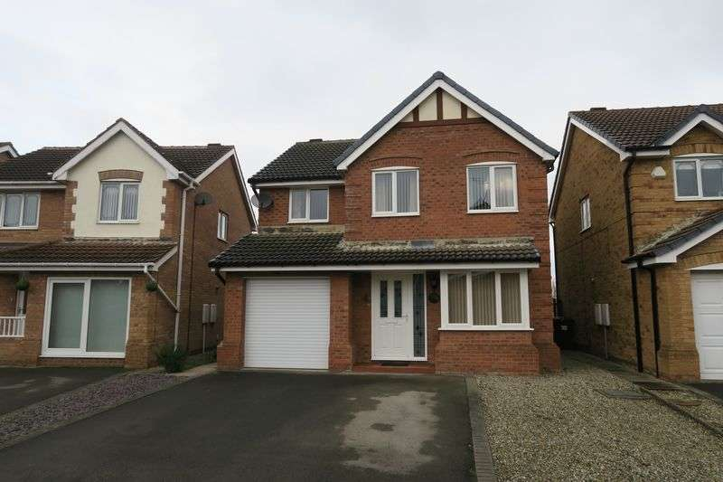 4 Bedrooms Detached House for sale in Sandringham Close, Morley, Leeds