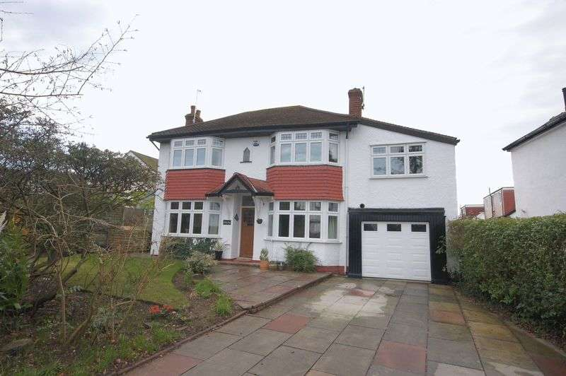 4 Bedrooms Detached House for sale in Station Road, Lower Heswall