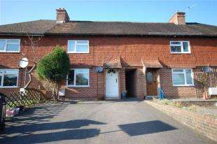 3 Bedrooms Terraced House for sale in Gordon Road, Buxted, Uckfield, East Sussex