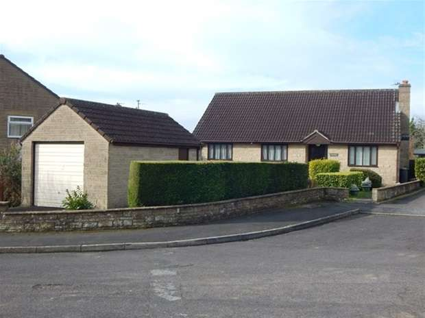 3 Bedrooms Detached Bungalow for sale in Kingsacre, Castle Cary
