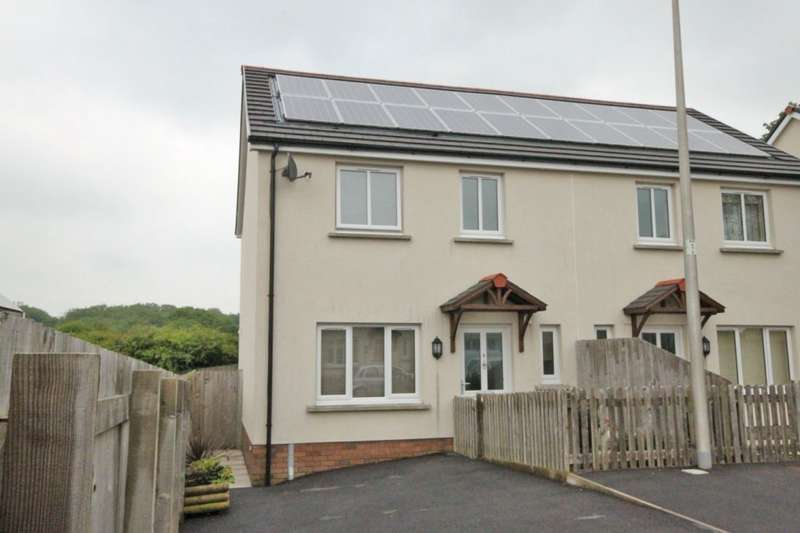 3 Bedrooms Semi Detached House for sale in Clos Gwili, Cwmgwili, Llanelli, SA14
