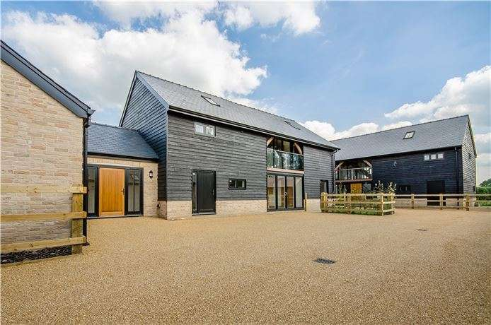 5 Bedrooms Detached House for sale in Comberton Road, Toft, Cambridge