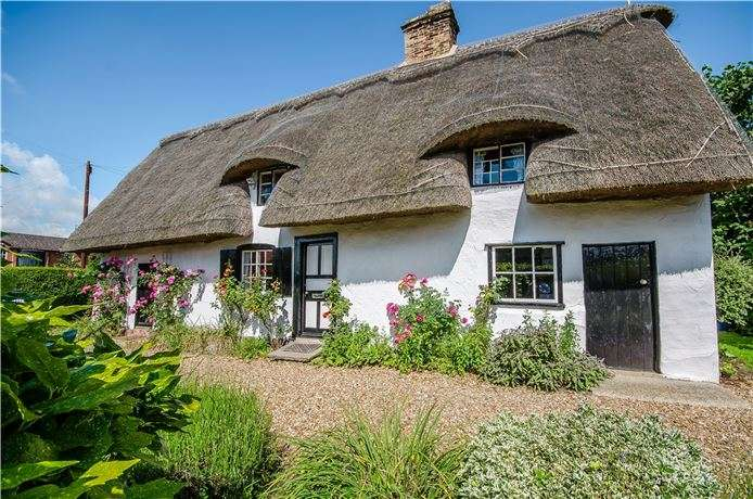 3 Bedrooms Cottage House for sale in High Street, Little Shelford, Cambridge