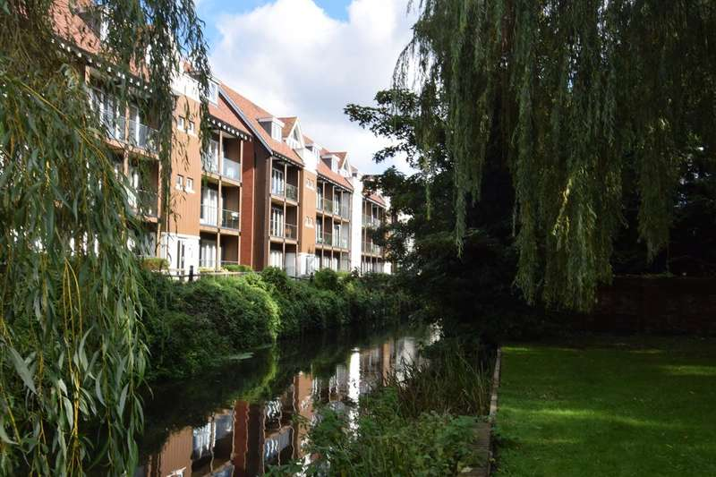 2 Bedrooms Ground Flat for sale in The Rope Walk, Canterbury