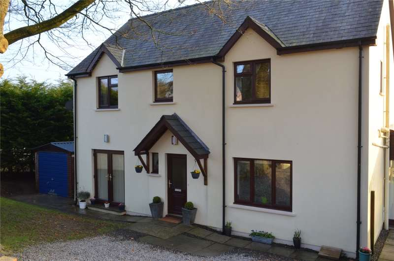 4 Bedrooms Detached House for sale in Adams Drive, Narberth, Pembrokeshire