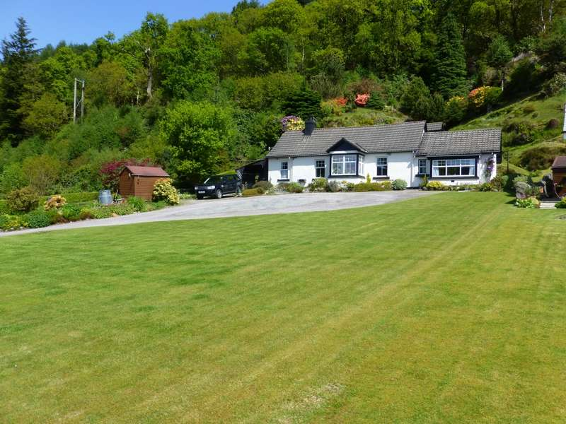 4 Bedrooms Detached House for sale in Craigend Cottage Shore Road, Kilmun, DUNOON, PA23 8SE