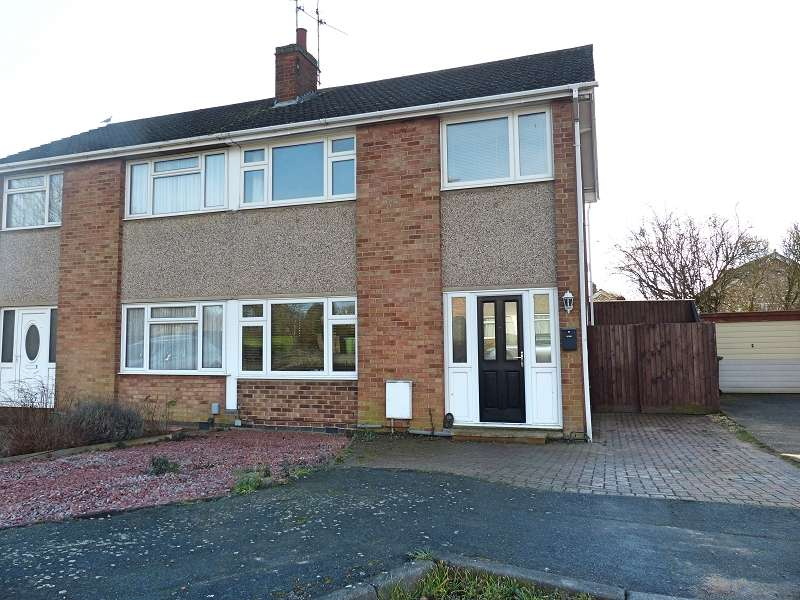 3 Bedrooms Semi Detached House for sale in Hawthorn Road, Yaxley, Peterborough, PE7 3JP