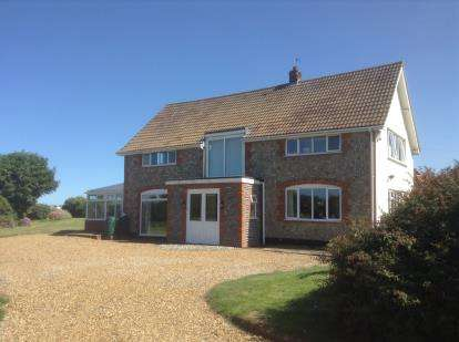 4 Bedrooms Detached House for sale in Trimingham, Norwich, Norfolk