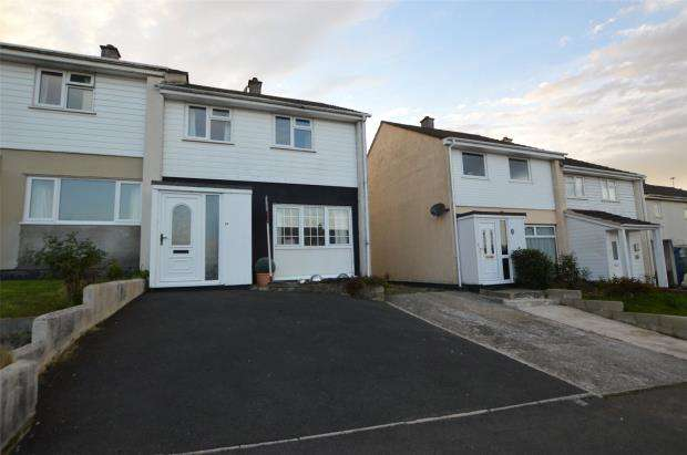 3 Bedrooms Semi Detached House for sale in Lynher Drive, Saltash, Cornwall