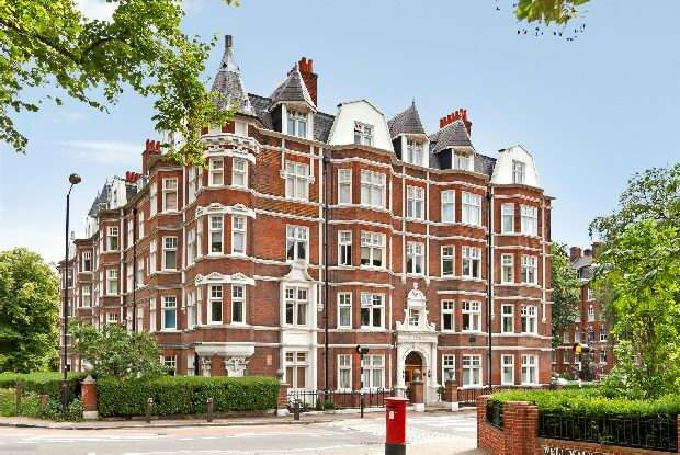 4 Bedrooms Flat for sale in The Pryors, East Heath Road, Hampstead Village, NW3