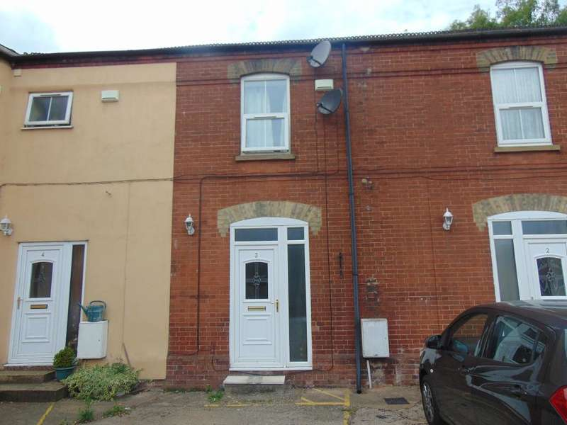 2 Bedrooms Terraced House for sale in Morgans Court, Wisbech, Cambs, PE13 1PJ