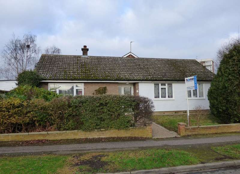 3 Bedrooms Detached Bungalow for sale in Conway Crescent, Bedford, MK41 7BW