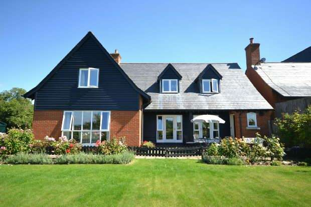 4 Bedrooms Detached House for sale in Calves Lane, Shaftesbury