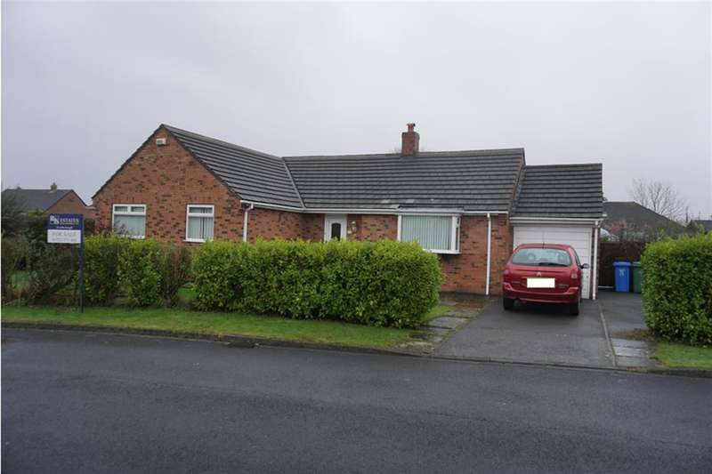 2 Bedrooms Detached Bungalow for sale in Leppington Drive, Scarborough, North Yorkshire, YO12 5DZ