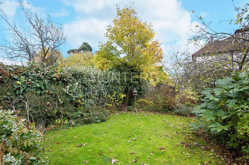 2 Bedrooms Flat for sale in Cricklewood Lane, London, NW2 2QE