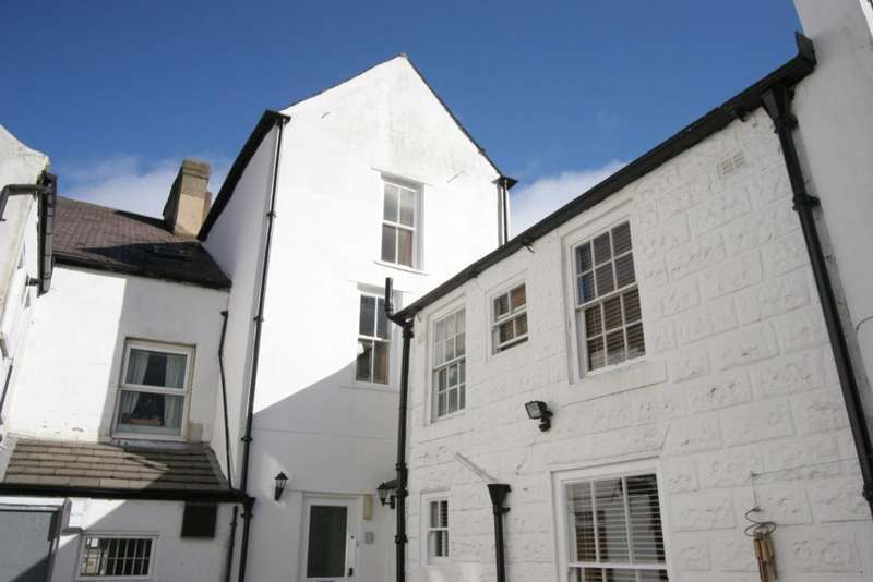 1 Bedroom Flat for sale in 45 High Street, Knaresborough, HG5 0HB