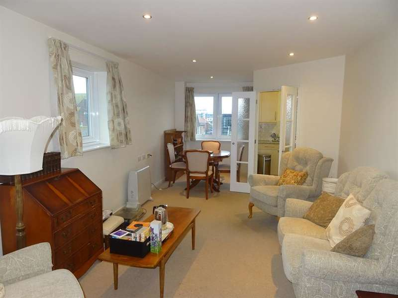 1 Bedroom Retirement Property for sale in Amelia Court, Chatesworth Road, Worthing, BN11 1AH